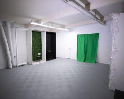 Fun Photo Studio with Multiple Backdrops!, San Fernando, CA