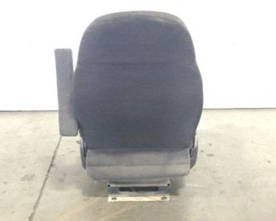 PETERBILT 579 Seats Attachment