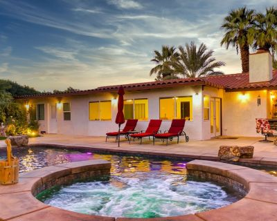 Gorgeous Palm Desert Oasis with Backyard Paradise, Pool, Spa & Private Casita - Palm Desert
