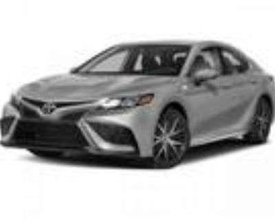 2021 Toyota Camry Silver, new