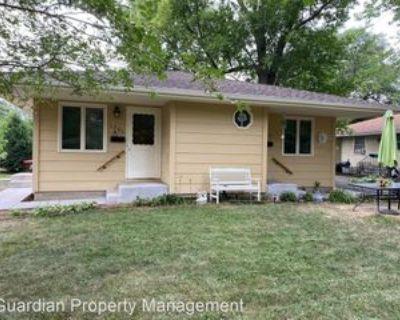 1701 Albert St N, Roseville, MN 55113 2 Bedroom House