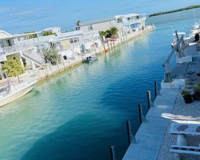 Walk to Beach, Open Water View from porch , dock, bikes, kayaks & snorkel gear - Cudjoe Key