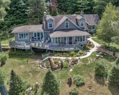 Beautiful Historic Lakehome - Lake View from every room! - Mercer