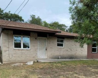 904 George St, Kerrville, TX 78028 4 Bedroom Apartment