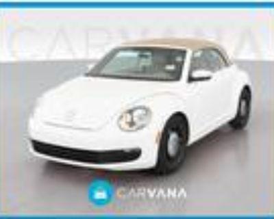 2013 Volkswagen Beetle White, 38K miles