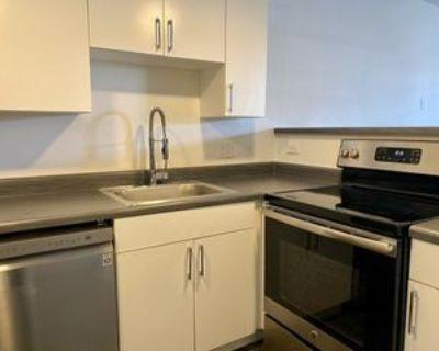 2936 North 34th Place #14, Phoenix, AZ 85018 1 Bedroom Apartment