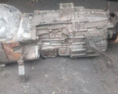 Chevrolet Gmc 8.1 Litre Type Zf Six Speed Transmission 2wd Good Condition