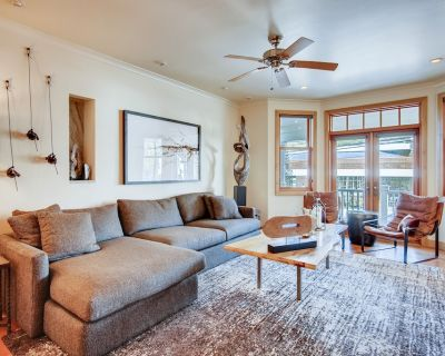 Dog-Friendly Old Town Home w/ private hot tub - walk to Main St/Town Lift! - Downtown Park City