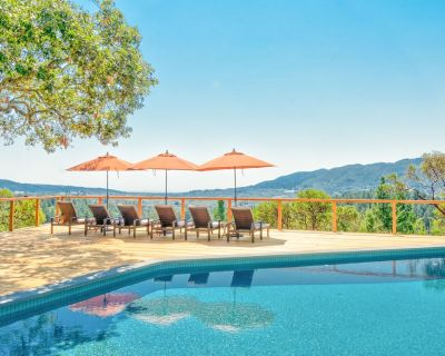 Sonoma Valley Vineyard-View Cottage   Loft & Private Hot Tub   On-Site Pool - Kenwood