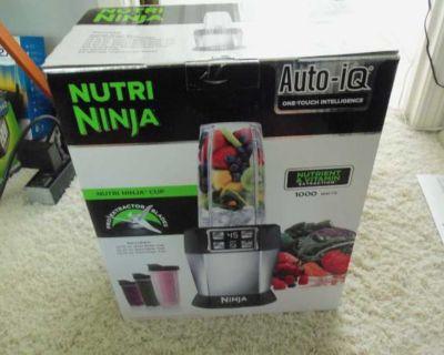 Brand New Nutri Ninja 1000 Watt Auto IQ Blender Extractor BL482 $99.00
