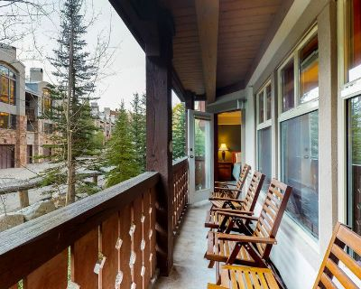 Convenient ski-in/out access, access to Club Solitude w/ shared pool, hot tub! - Salt Lake Mountain Resorts