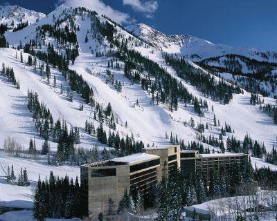Ski-in-ski out 2BR Condo at Snowbird. Sleeps 8. Available March 18-25, 2017 - Salt Lake Mountain Resorts