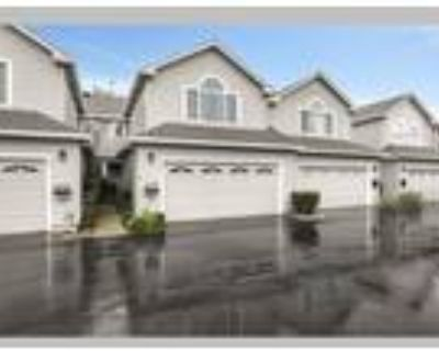 Pampered Living in this Gorgeous Townhome!, Campbell, CA