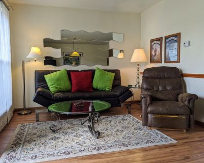 Pet Friendly Condo ~ High Speed WiFi ~ Indoor/Outdoor Pools ~ Gated Community ~ - Table Rock