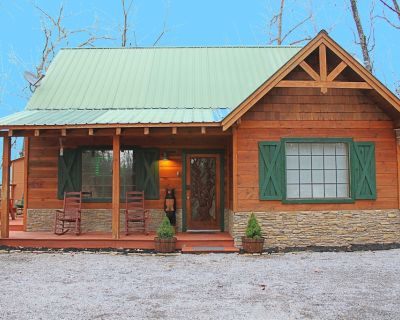 Treehouse Cabin, hot tub, game room, ideal location, family friendly - Pigeon Forge
