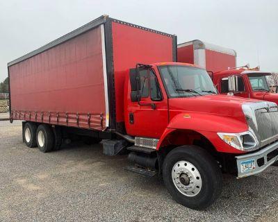 2005 International 7400 26' Curtain Side Box Truck 26' Curtain Side Box