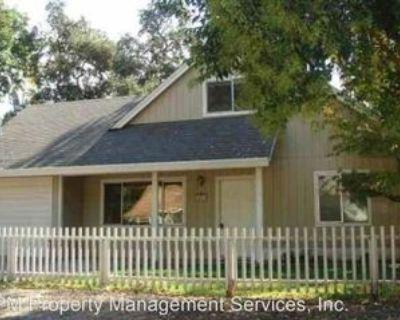 1263 E 10th St, Chico, CA 95928 3 Bedroom House