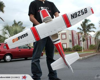 FMS-Cessna 182 in red with spare parts if needed from same 2nd airplane-package deal