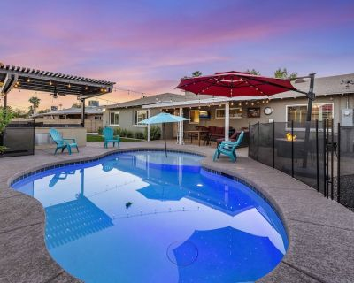 BEAUTIFUL PRIVATE POOL/HOME/BACKYARD NEAR OLD TOWN - Village Grove