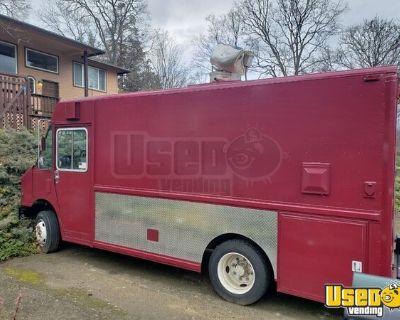 Lightly Used 22' Freightliner MT45 Diesel Step Van Mobile Kitchen Food Truck