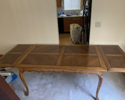 Antique Dining or kitchen table 5 extends to 8