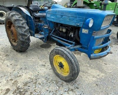 1982 FORD 2000 Tractors