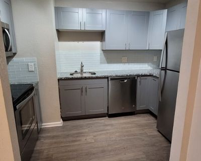 Beautifully Remodeled 2BR w/ Modern Kitchen in Midtown KC