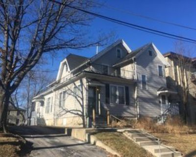 2027 North Cambridge Avenue, Milwaukee, WI 53202 1 Bedroom Apartment