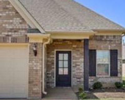 1068 Hogue Drive #1, Southaven, MS 38671 3 Bedroom Apartment