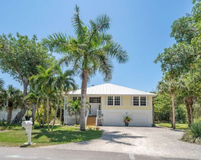 Great Deal on Newly Renovated Home in Exclusive Sanibel - Island Woods