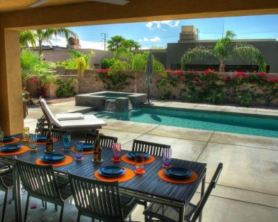 Beautiful Modern Home, Newly Furnished With Pool, Jacuzzi And Putting Green. 4B - Palm Desert
