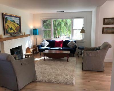 Charming Mid Century Modern, 2bed/2bath Cottage w/ Lg Garden - North Fair Oaks