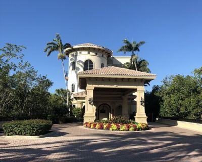 2 BR/BA +den luxury condo with private beach island, canoe park and tennis - Bonita Springs