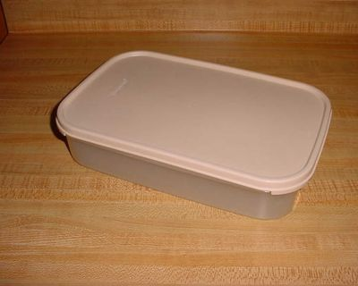 Vintage Tupperware 8-1/2 Cup Modular Mates Rectangle Sheer Keeper Storer Server. Perfect For Storing Or Transporting Cold Cuts, Hot Dogs...