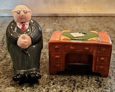 Executive Lawyer Accountant Salt and Pepper Shakers