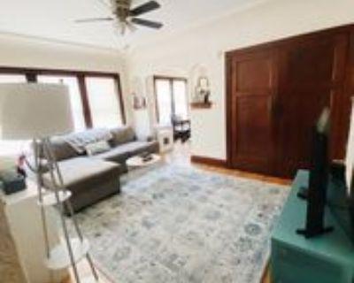 6126 W Burnham St #4, West Allis, WI 53219 1 Bedroom Apartment