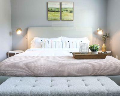 Modern, Cozy 1b apt w/ King Bed+Pool+Gym+Parking - Beaverton