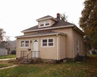 512 Townline Ave #1, Beloit, WI 53511 3 Bedroom Apartment