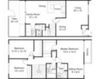 Town House Plaza - 3 Bed 2.5 Bath Town Home