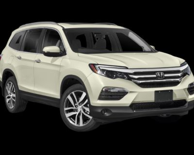 Pre-Owned 2018 Honda Pilot Touring with Navigation & AWD