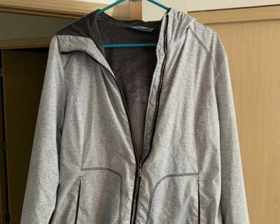 Excellent used condition size large women s coat