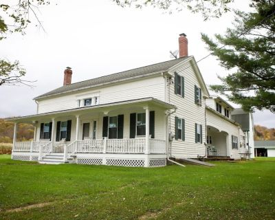 Spacious, Iconic Central New York Farmhouse. - Tioga County