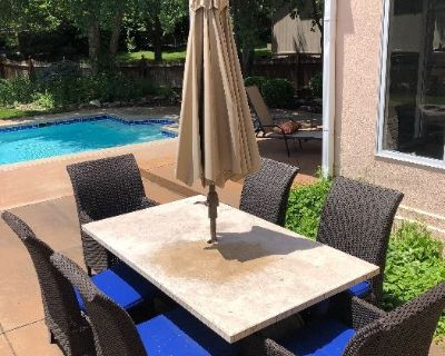 Executive Guesthouse with a Pool in an Upsacale South OP Neighborhood