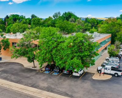 441 Wadsworth Blvd - GREAT OFFICE OR RETAIL SPACE!