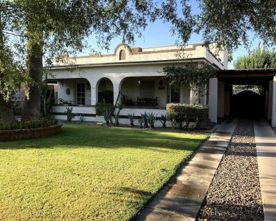 Charming Historic-Downtown Phoenix-Colonial Twin Home - Story