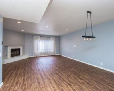 4821 Riverton Ave #4, Los Angeles, CA 91601 2 Bedroom Condo