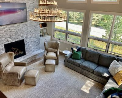 BEAUTIFUL NEWLY REMODELED DUPLEX HOME - Arrowhead
