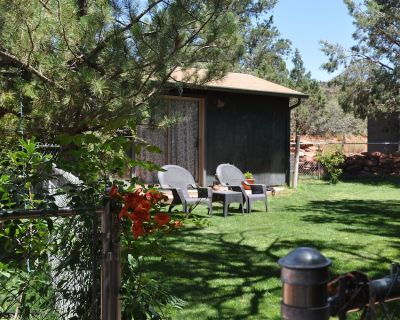 Charming detached guest bedroom , idyllic tranquil setting - West Sedona