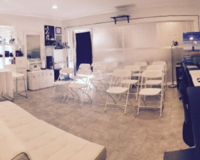 San Fernando Valley Studio with Private Indoor/Outdoor Space, Valley Glen, CA