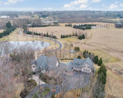 Luxury Farmhouse - Pond, Pool, Hot Tub, Game/Theater/Fitness Rooms, - 10 TVS - Perry Township